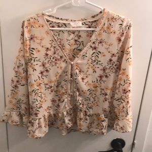 3/4 sleeve ruffle button up floral top